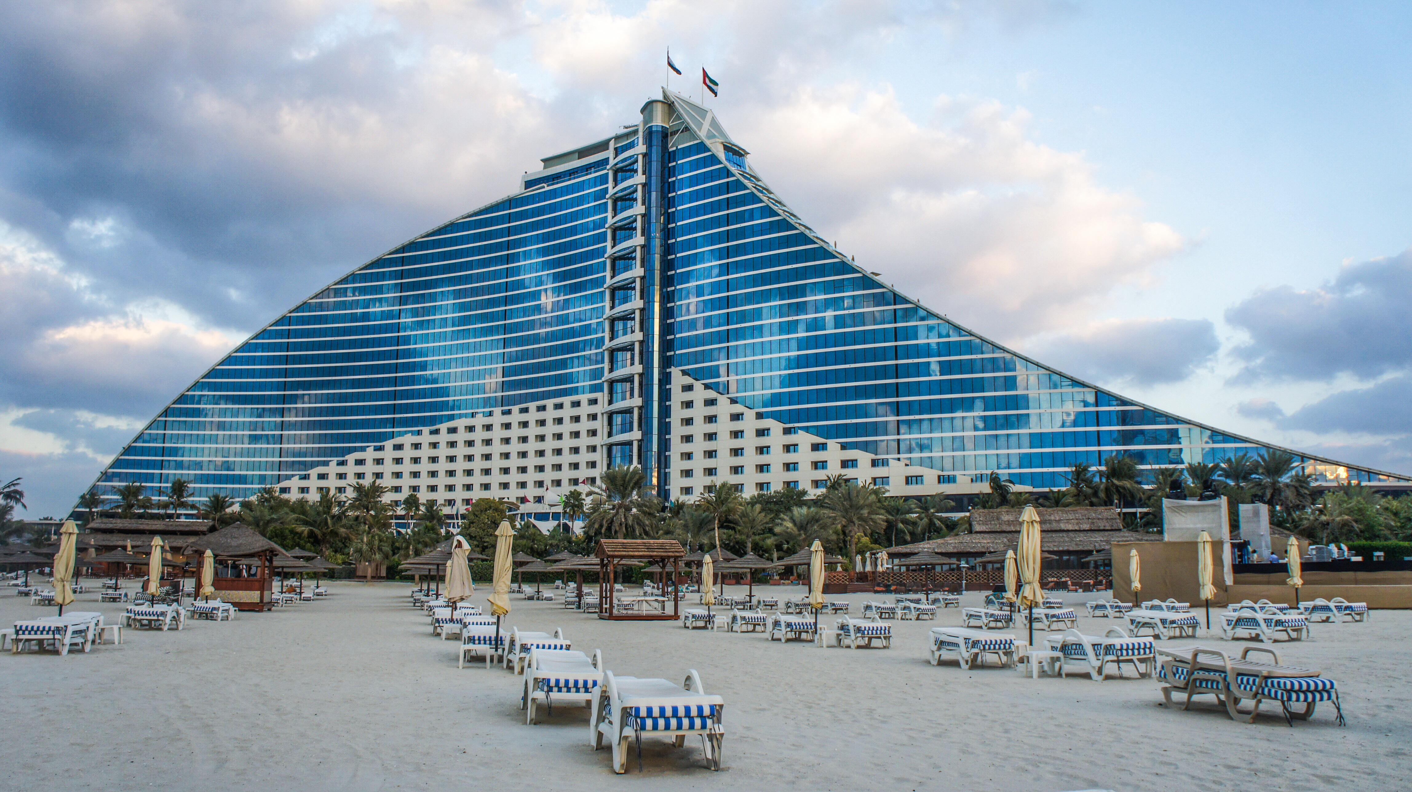 Hotel 12 hours apart for Dubai beach hotels